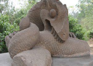 tuongda-300x215 Bảo vật quốc gia - Tượng rồng đá kỳ lạ
