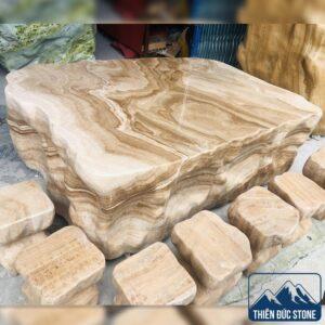 Bộ bàn ghế đá tự nhiên nguyên khối | Bàn ghế đá vân gỗ